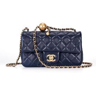 Chanel 小金球深藍垂蓋手袋